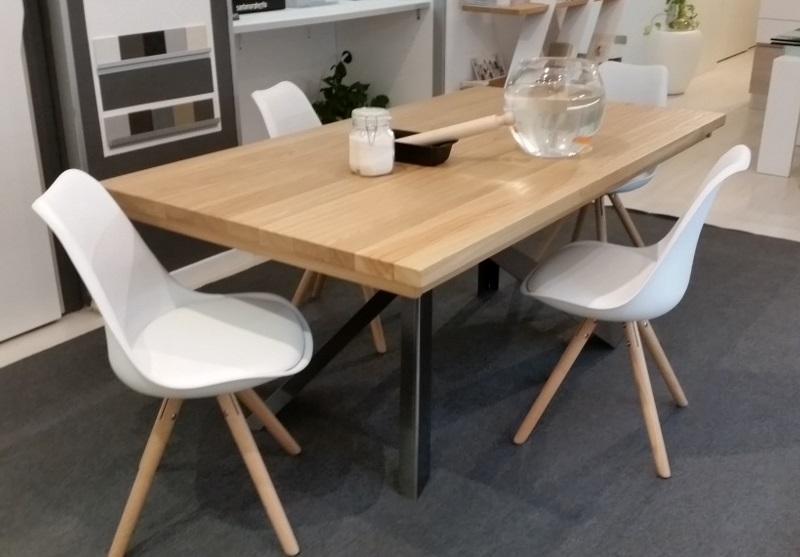 Tavolo allungabile e 4 sedie altacorte sconto 47 tavoli for Sedie in legno massello prezzi