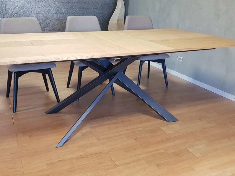 Tavolo in legno rettangolare outlet tavolo ozzio 4x4 ozzio for Tavolo design outlet