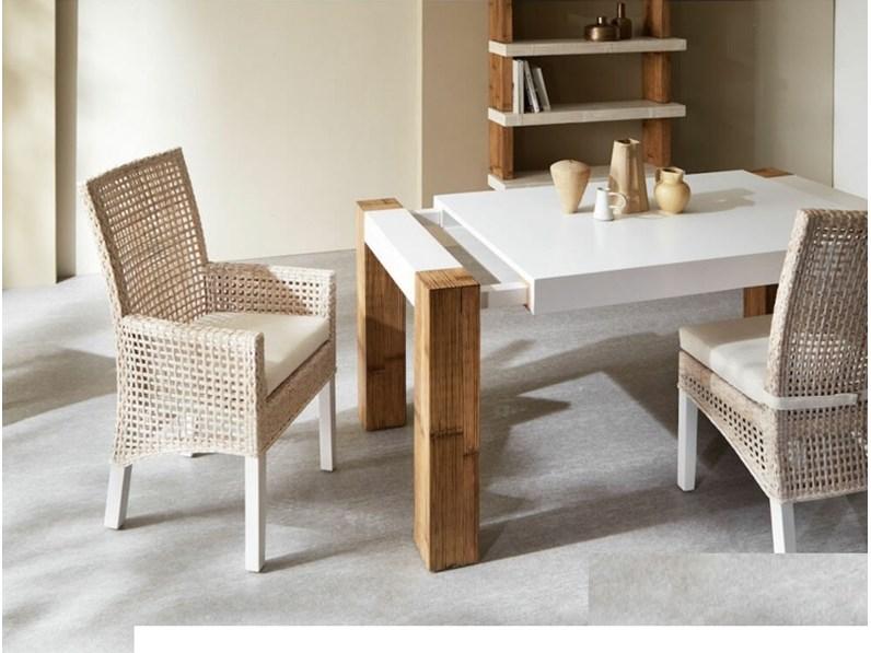 Tavolo in legno rettangolare tavolo in legno e crash bambu for Outlet tavoli design