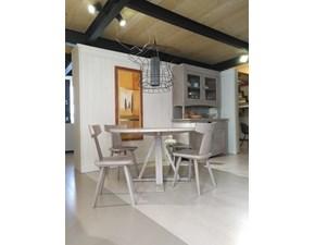 Tavolo in legno rotondo Maestrale con sedie ala Scandola in Offerta Outlet