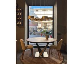 Tavolo in legno rotondo West Alta corte in offerta outlet