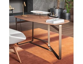 Tavolo in legno sagomato Gauss Bonaldo in offerta outlet