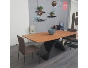 Tavolo in legno sagomato Tokyo Tonin casa a prezzo scontato