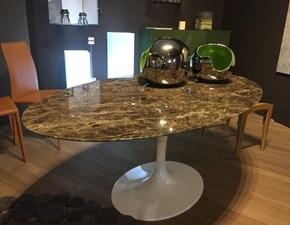 Tavolo in marmo ovale Saarinen Alivar a prezzo ribassato