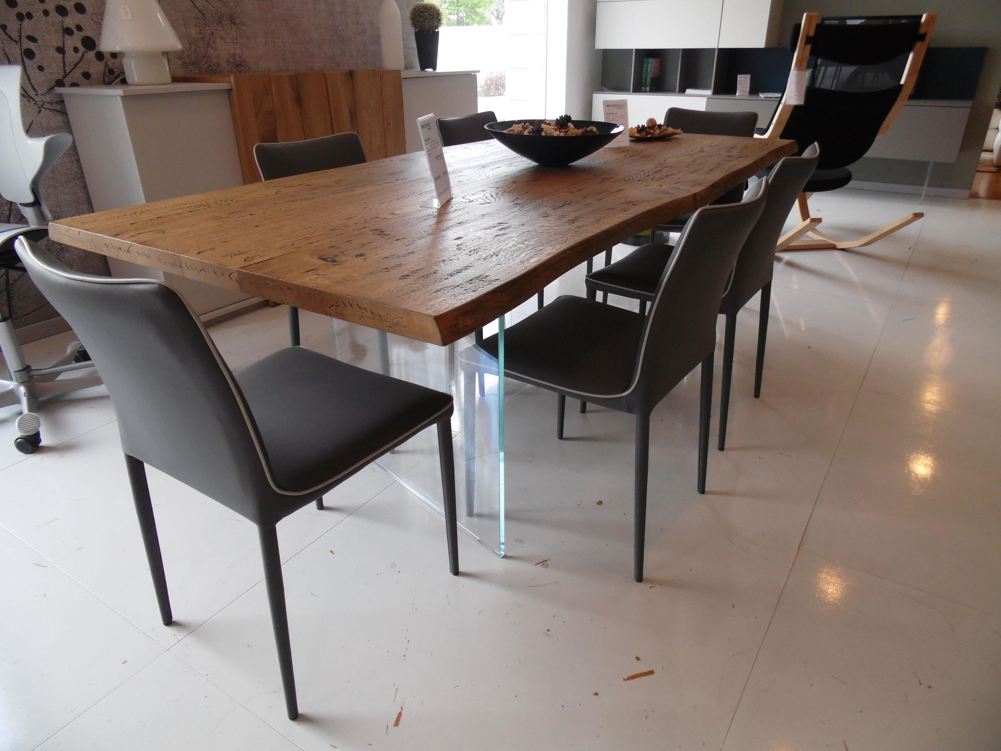 Tavolo in massello di rovere anticato effetto corteccia for Tavoli in vetro e legno