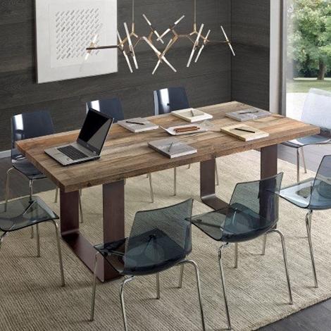 Tavolo in ontano con gambe in ferro scontato del 40 for Tavoli in legno con gambe in ferro