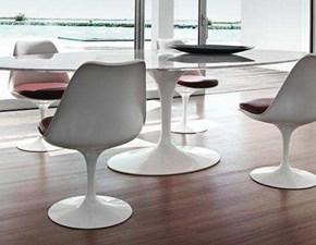 Tavolo in pietra rotondo Saarinen made in italy diametro 120 con quattro sedie Sigerico a prezzo ribassato
