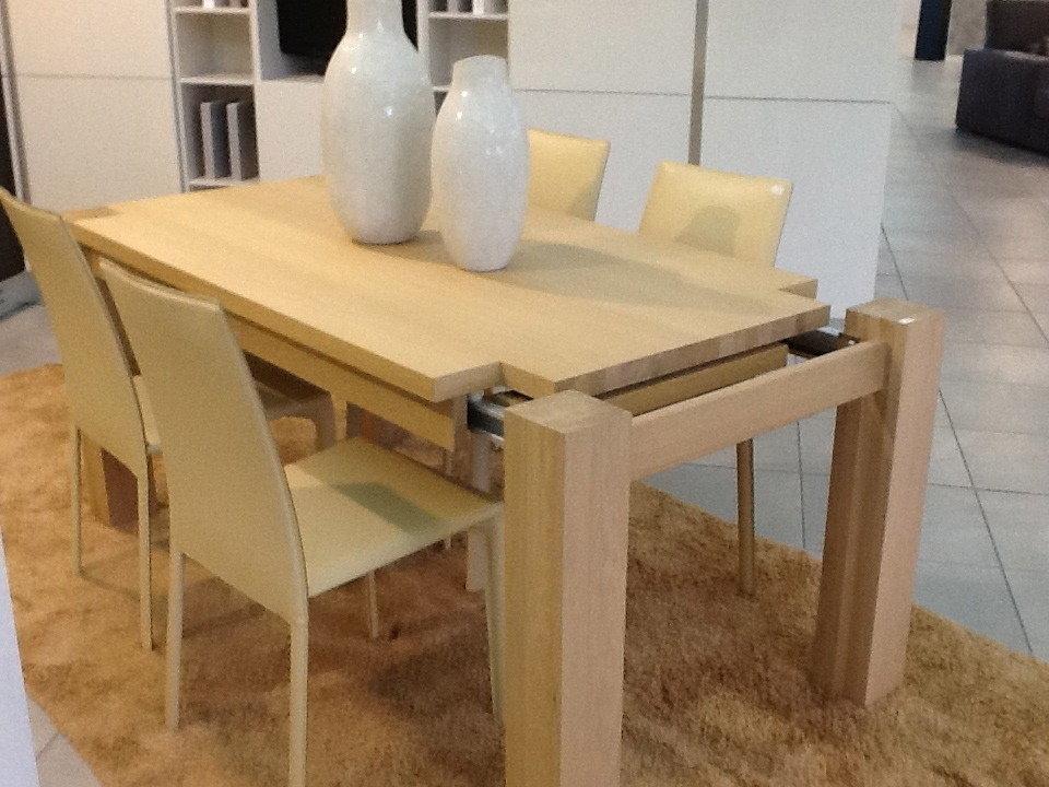 Tavolo in rovere massiccio tavoli a prezzi scontati for Tavoli da pranzo in legno