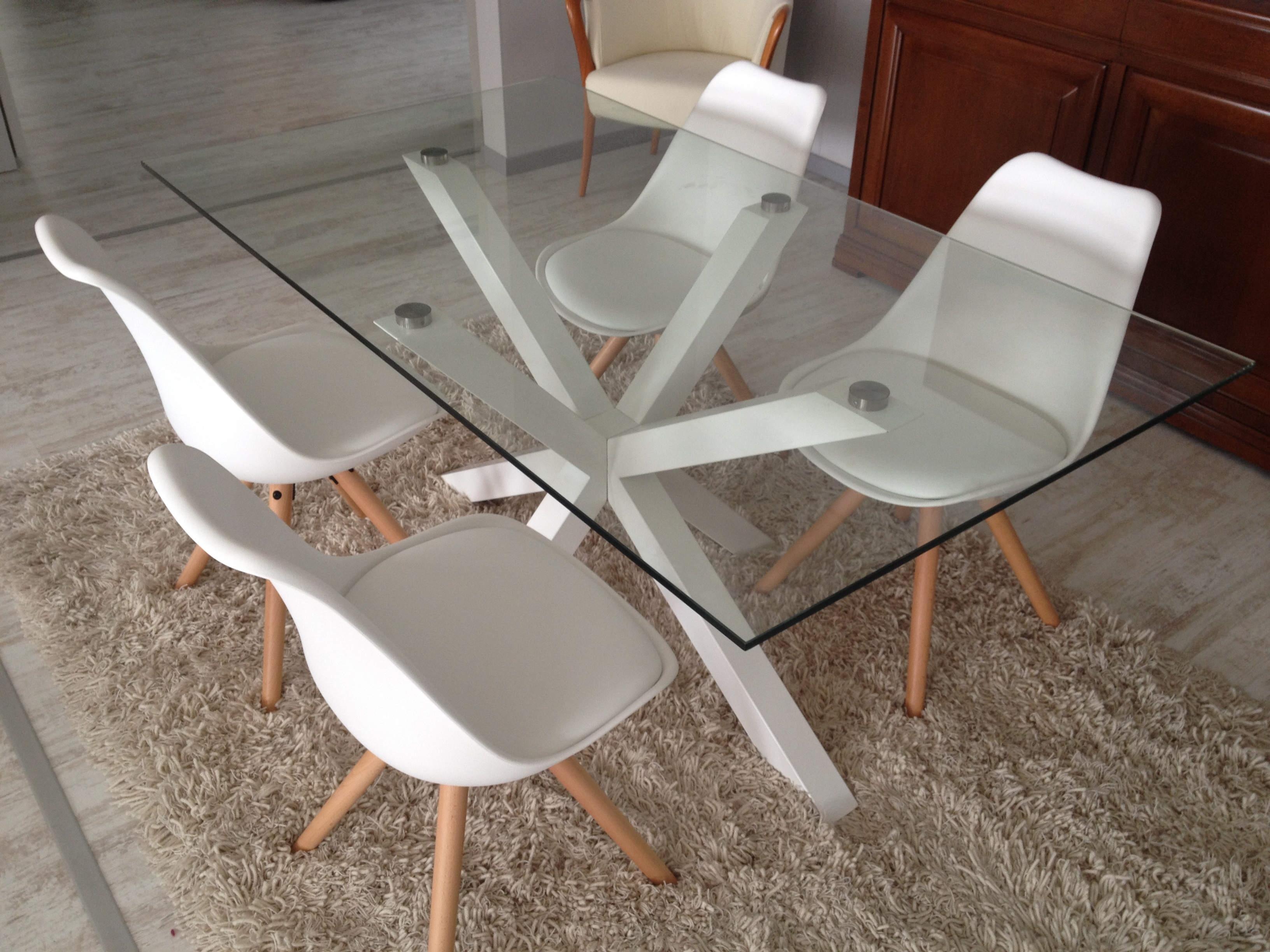 Tavolo in vetro da l 160x90 con sedie bianche 24 for Tavolo consolle con sedie
