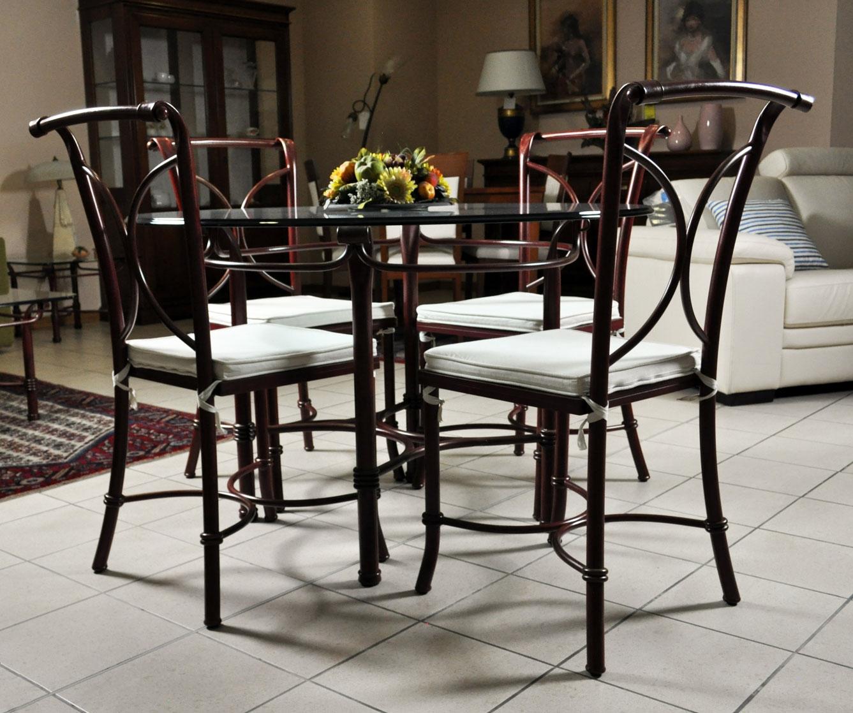 Tavolo in vetro e 4 sedie in ferro battuto in saldo a for Sedie in ferro e legno