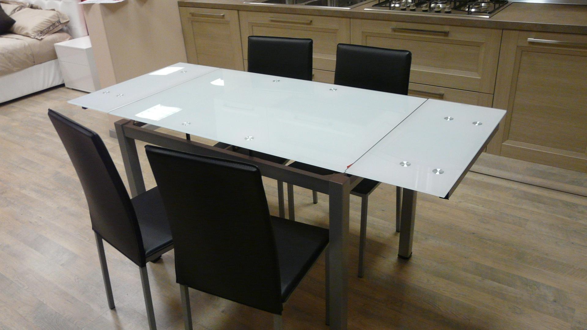 tavolo in vetro e metallo con 4 sedie tavoli a prezzi