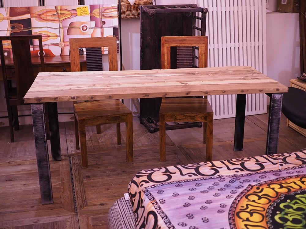 Tavolo legno grezzo e ferro tutte le immagini per la for Piani di casa in stile west indian