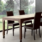 tavolo in legno struttura in metallo Corten effetto ruggine