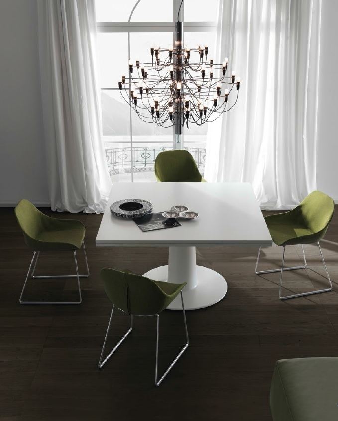 Tavoli quadrati design design casa creativa e mobili for Tavolo quadrato calligaris
