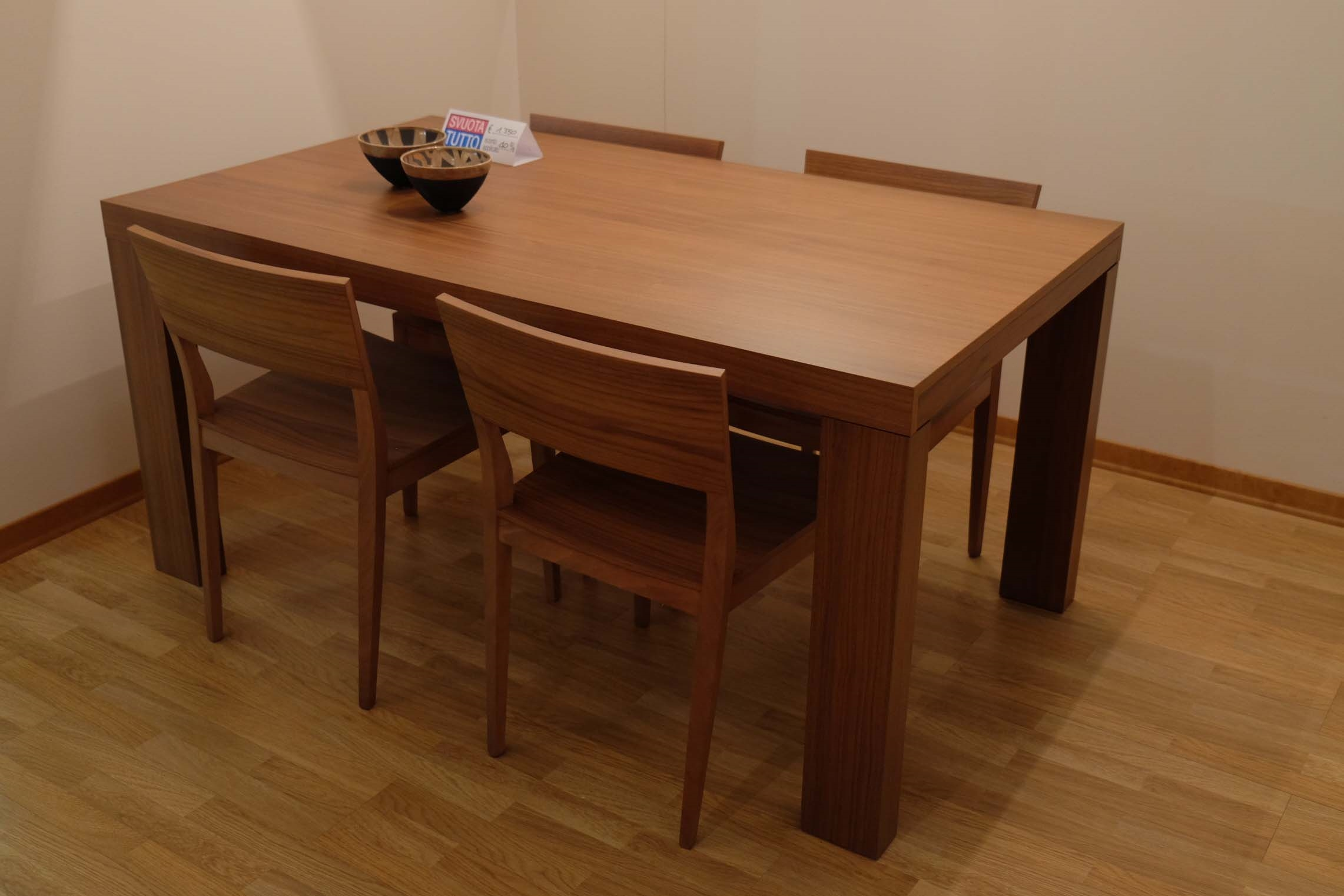 Tavolo jesse tranoi sedie margot scontato del 57 - Dwg tavolo con sedie ...