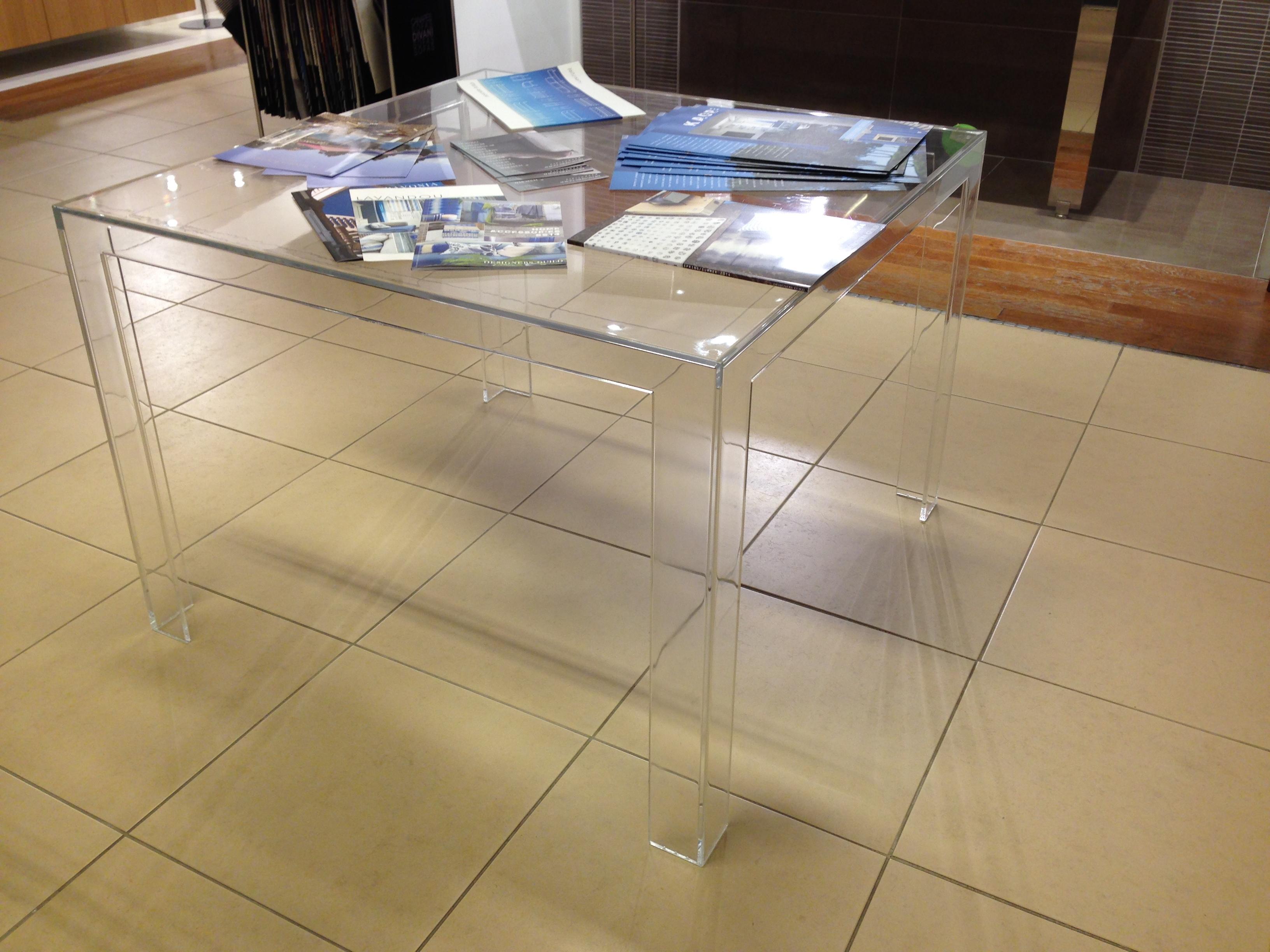 tavoli rotondo allungabili in plexiglass : TAVOLO KARTELL IN OFFERTA - Tavoli a prezzi scontati