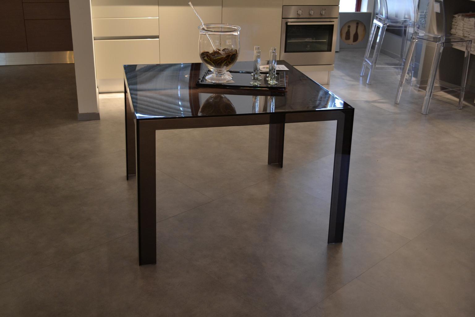 Tavolo Kartell Invisible table - Tavoli a prezzi scontati
