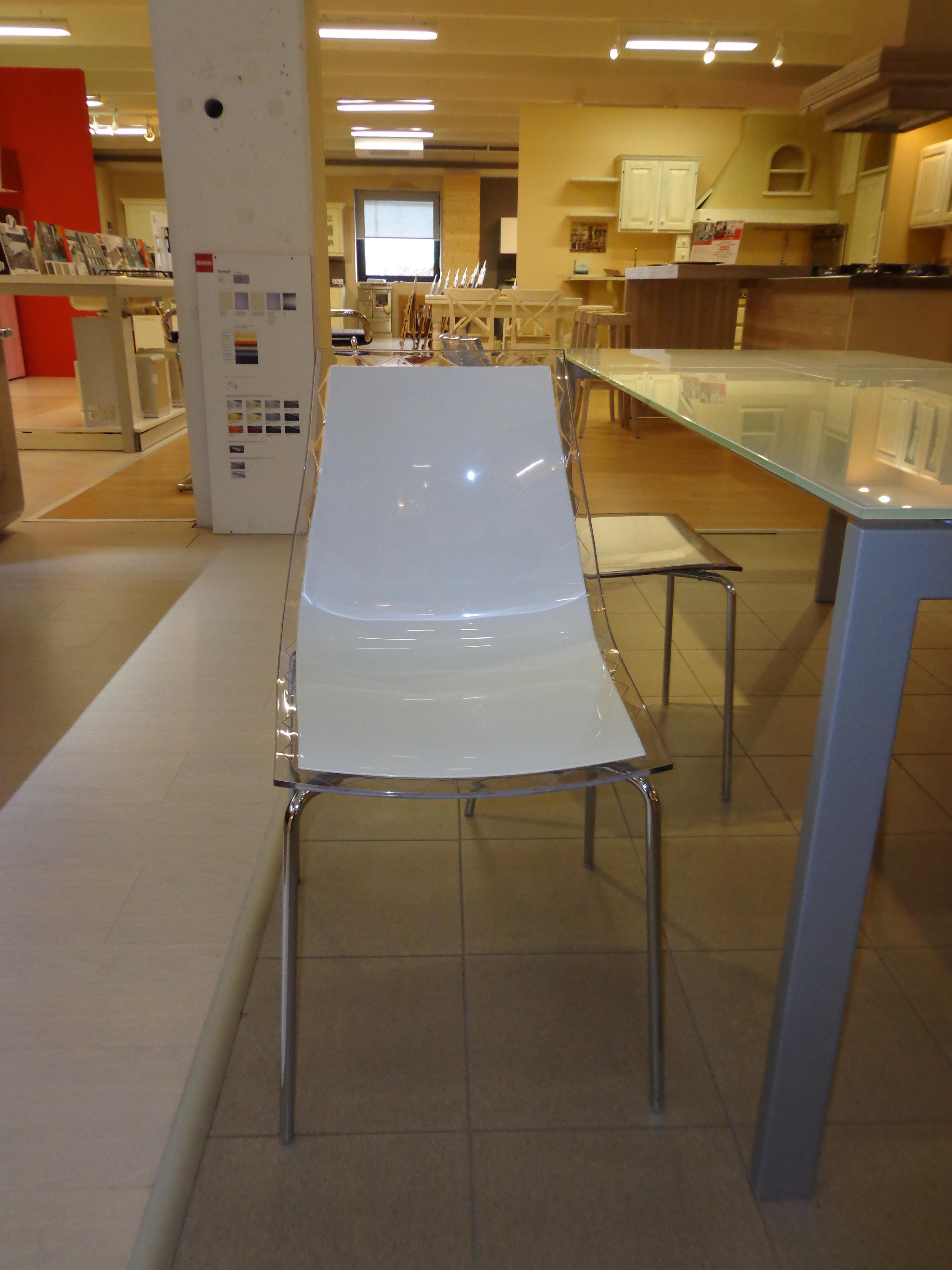 Tavolo keyo e sedie leyla tavoli a prezzi scontati for Sedie di marca