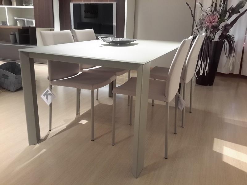 Tavoli da lavoro in legno per cucina for Tavoli estensibili
