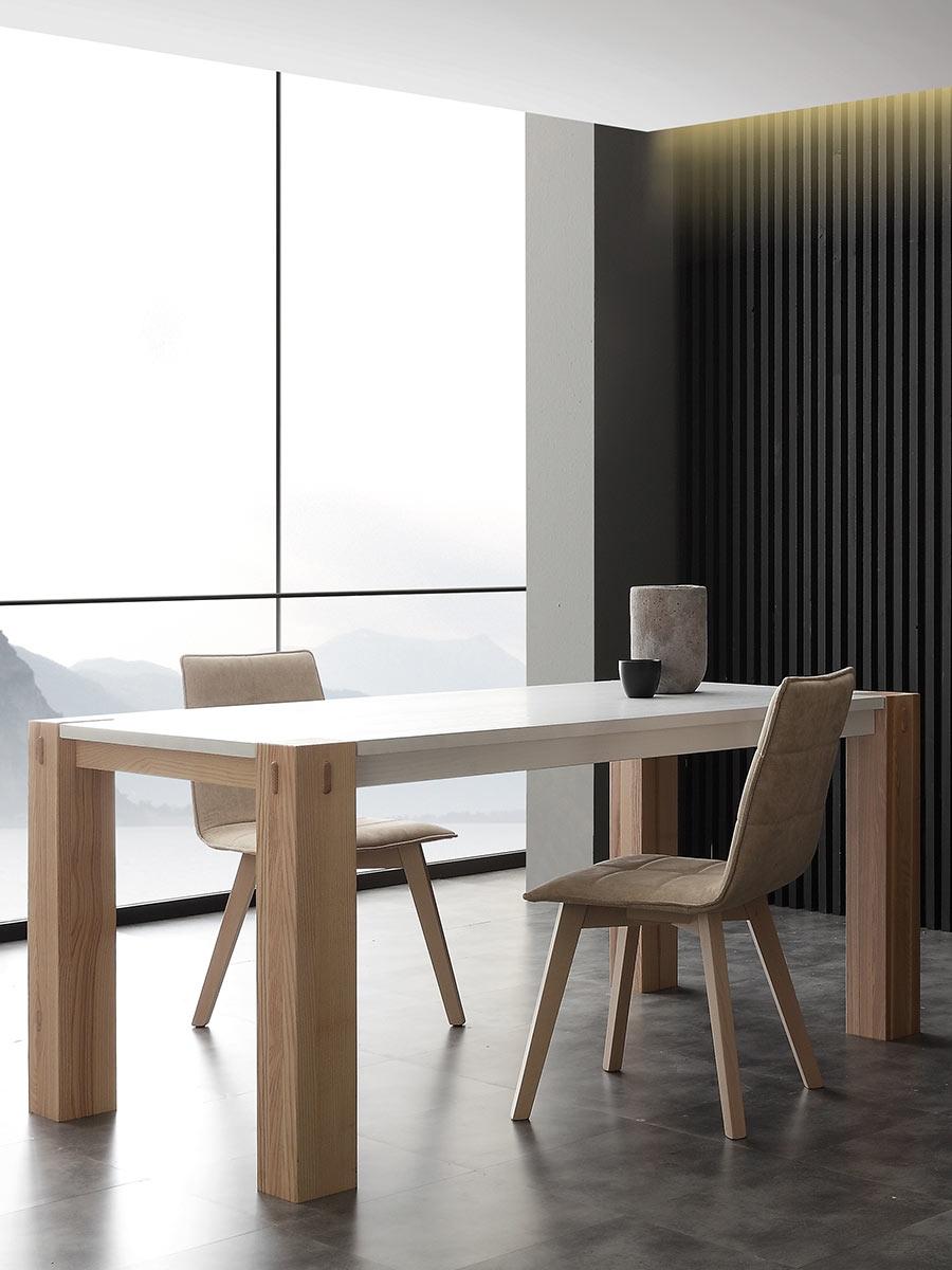 Tavolo la seggiola factory bicolor rettangolari for Tavolo legno naturale