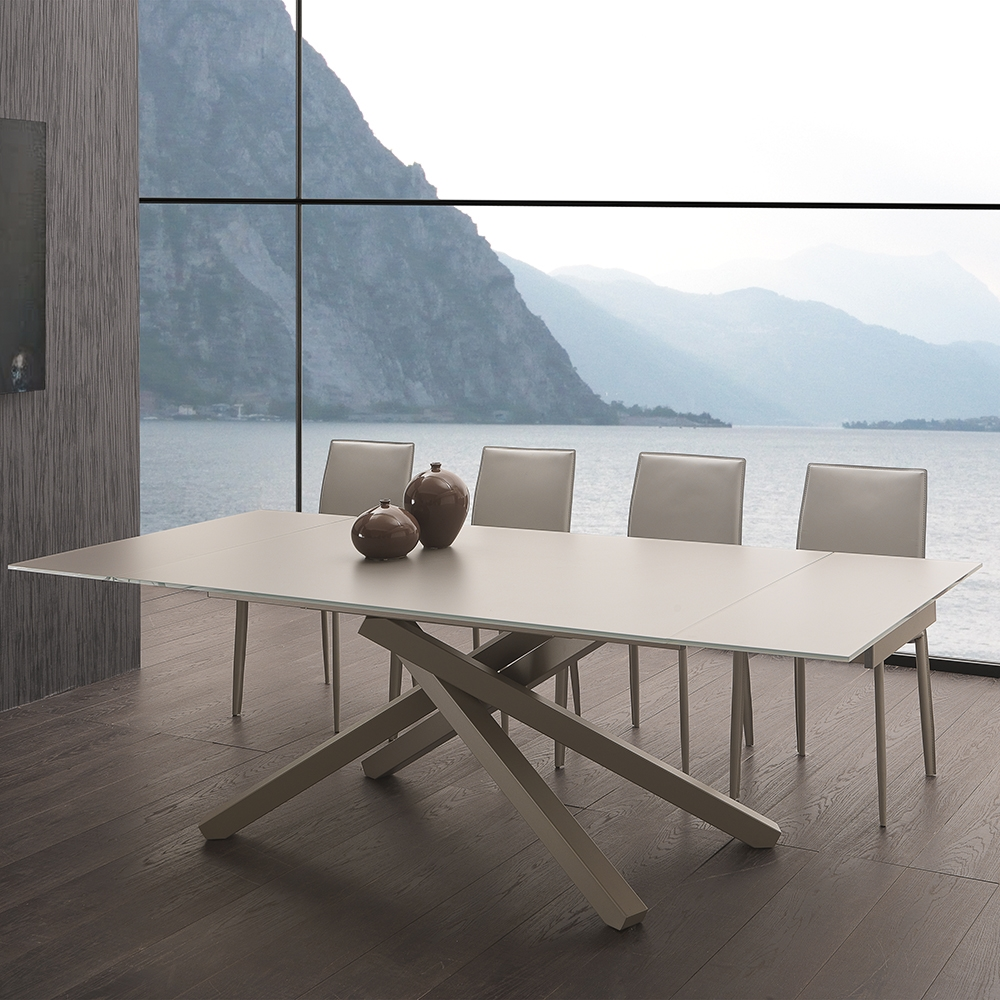 Tavolo laseggiola modello infinity tavoli a prezzi scontati for Tavoli design prezzi