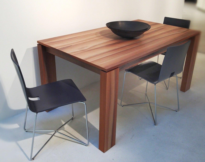 Tavolo legno noce tavoli a prezzi scontati for Tavoli allungabili outlet
