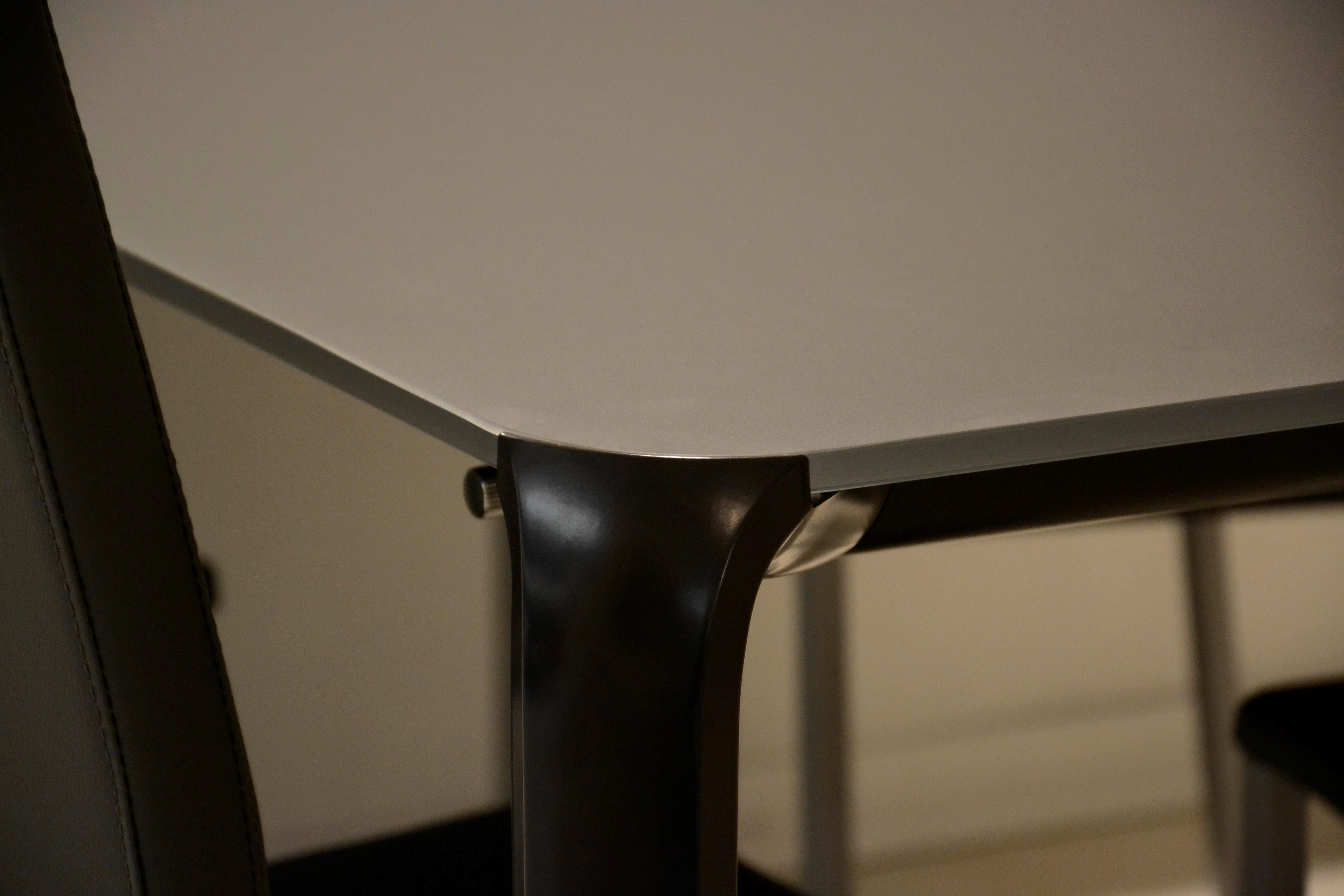Tavolo allungabile in vetro marca tonin casa tavoli a for Fontana arreda