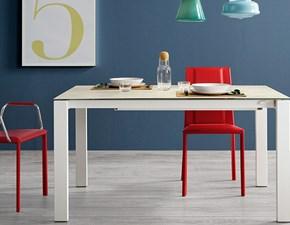 Tavolo MIDJ modello Badù. Tavolo allungabile con piano e allunga in alluminio e con struttura disponibile in varie finiture.