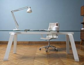 Tavolo MIDJ modello Toronto. Tavolo allungabile con piano e allunga in cristallo trasparente e struttura in acciaio bianco.