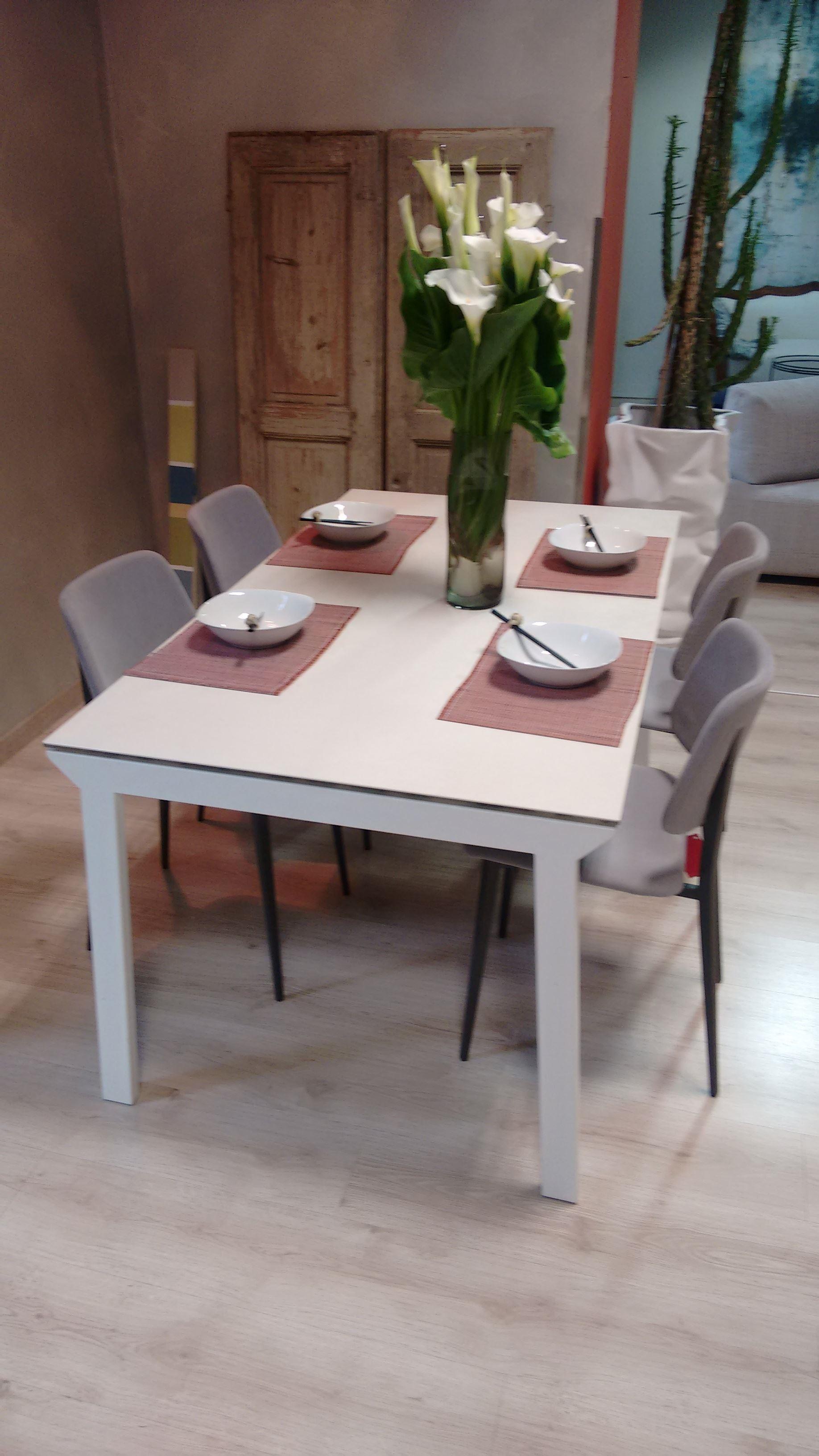 Offerta tavolo midj tavolo midj mod greco e sedie mod - Tavoli e sedie in offerta ...