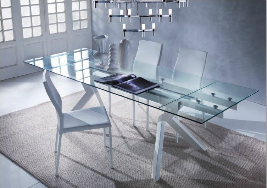 Tavolo mod tokio rettangolare in vetro e metallo tavoli for Tavoli di design in cristallo