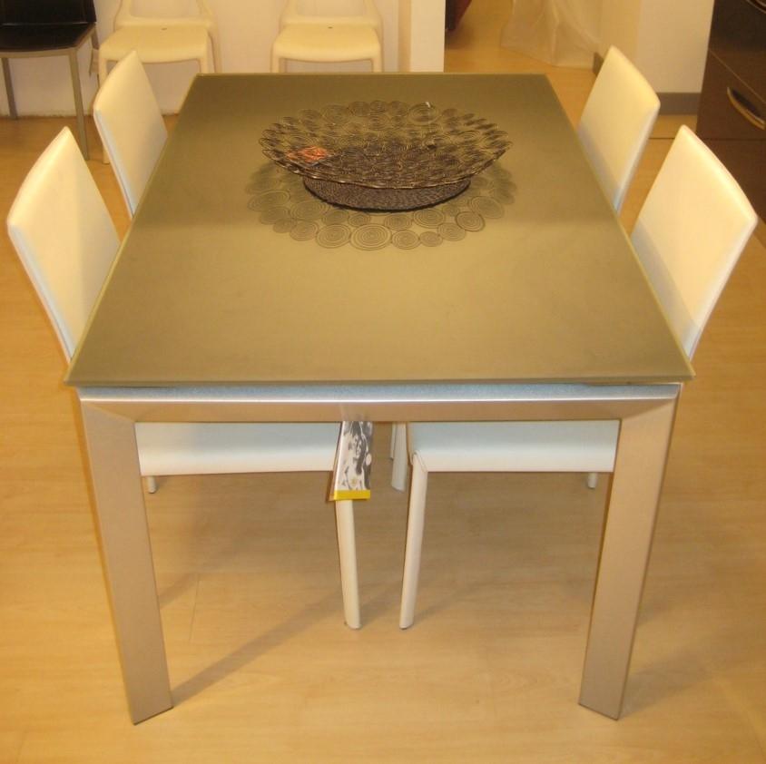 Tavolo moderno allungabile color grafite tavoli a prezzi for Tavolo allungabile moderno