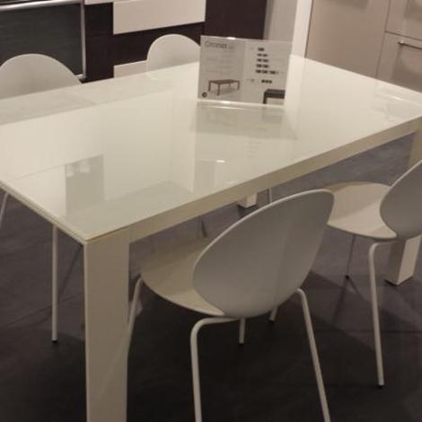 Tavolo moderno in offerta 16652 tavoli a prezzi scontati for Tavoli in offerta