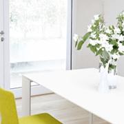 Tavolo Nori rettangolare allungabile in vetro design Kristalia