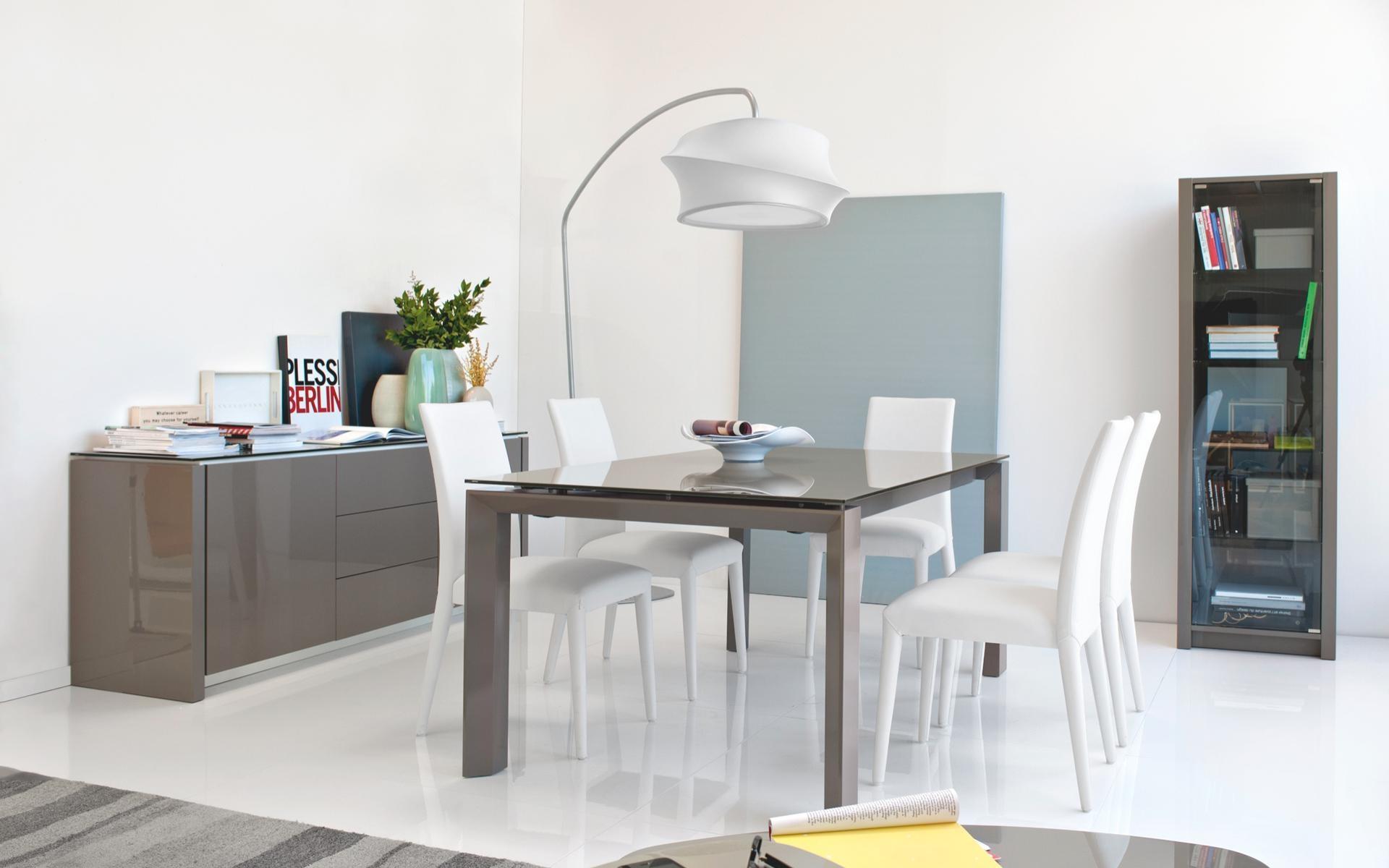 Tavolo omnia glass calligaris offerta tavoli a prezzi for Glass tavoli cristallo