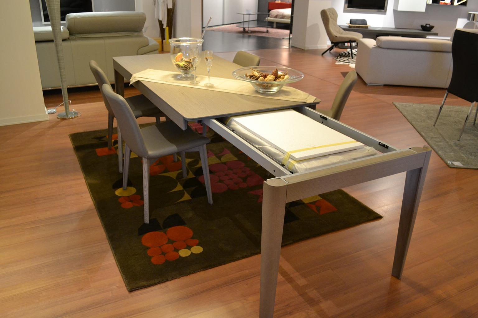 Tavolo oslo con 4 sedie tavoli a prezzi scontati for San giacomo arredamenti prezzi