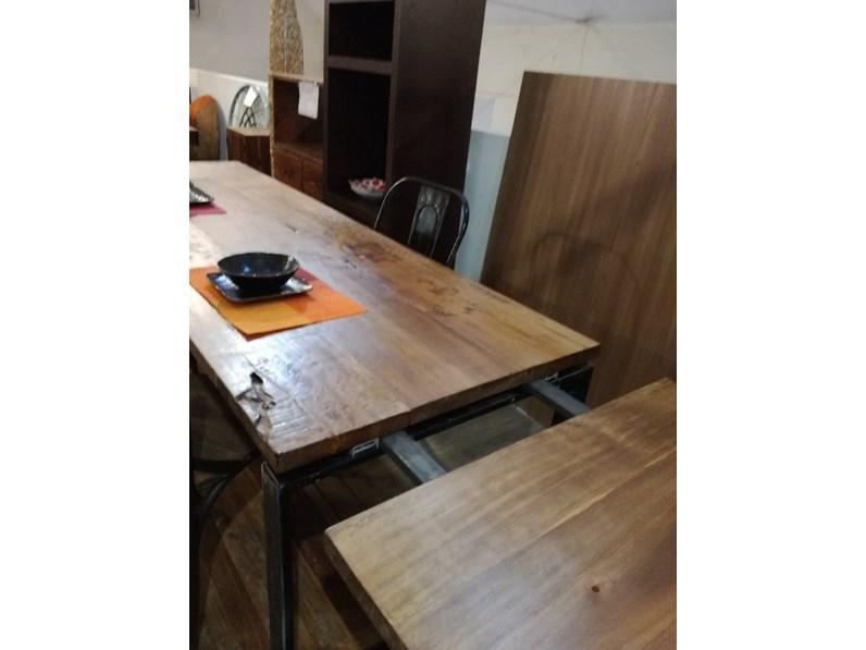 Tavolo outlet etnico legno massello radice di suar industrial prezzi outlet for Etnico outlet