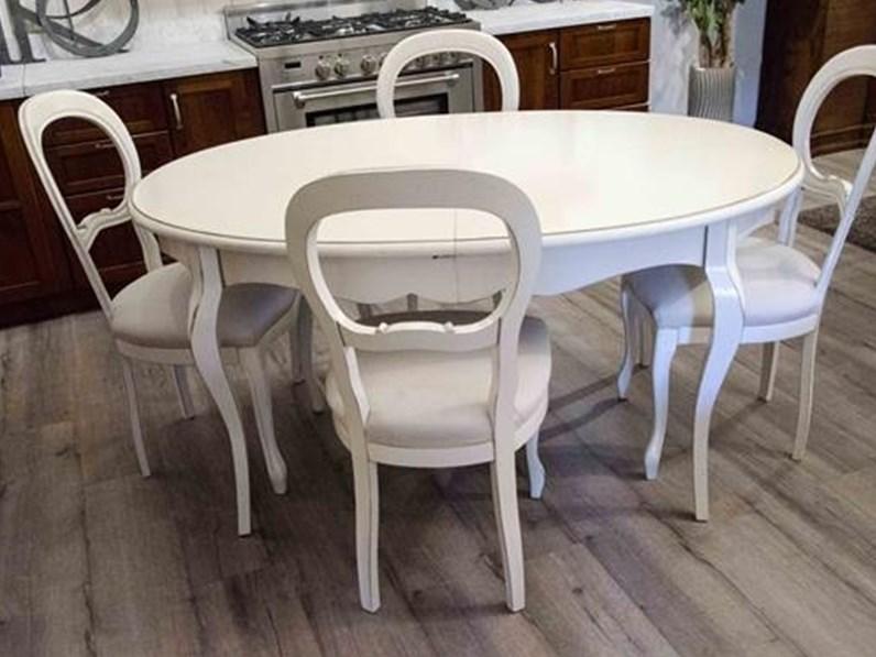 Tavolo Allungabile Laccato Bianco.Tavolo Ovale Allungabile Essenza In Legno Massello Laccato Bianco Con 4 Sedie Imbottite