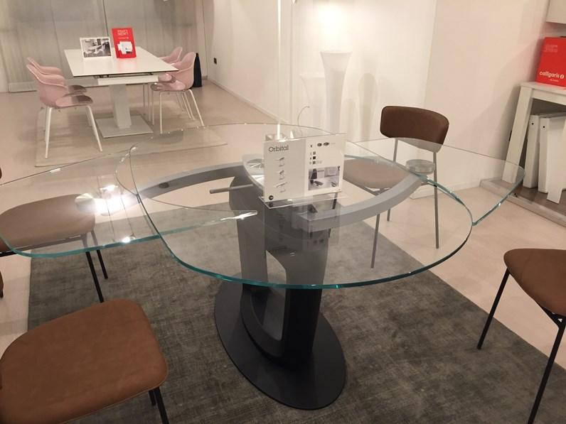 Tavolo ovale con basamento centrale orbital calligaris - Tavolo ovale calligaris ...