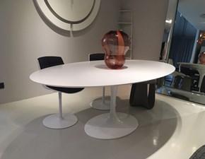 Tavolo ovale con basamento centrale Tulip  Artigianale scontato