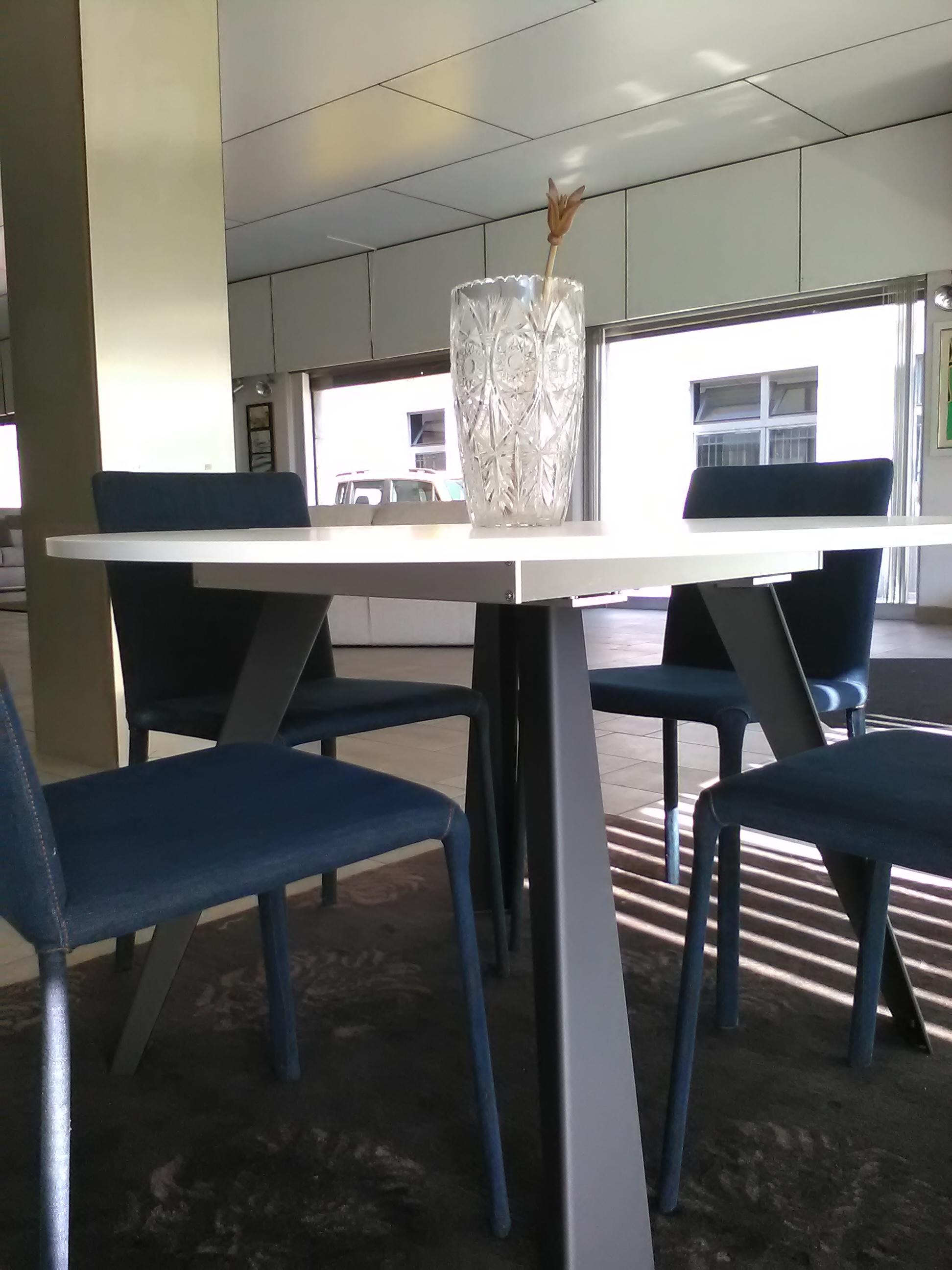 Tavolo rotondo allungabile in offerta tavoli a prezzi for Tavolo rotondo 4 persone