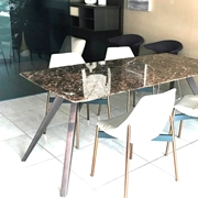 Tavolo Pianca Delta piano in marmo