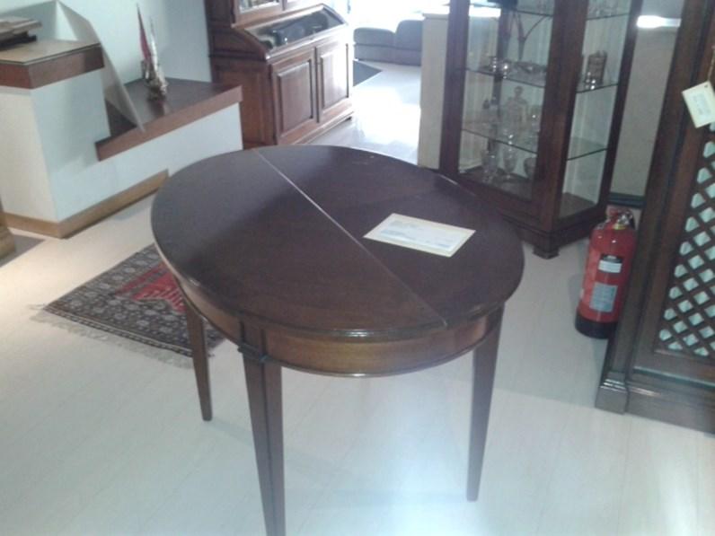 Tavolo ovale allungabile scontato del 50%