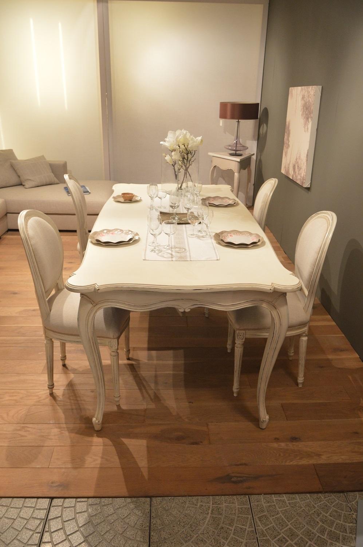 Tavolo provenza in legno massello scontato del 40 for Tavoli shabby chic usati