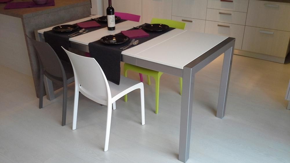 Tavolo qadrifoglio allungabile tavoli a prezzi scontati - Tavolo scavolini quadrifoglio ...