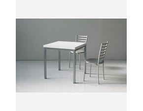 Tavolo quadrato a quattro gambe Art. 667 La seggiola scontato