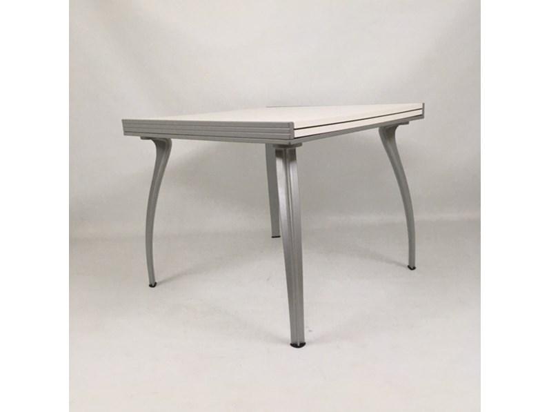 Tavolo quadrato a quattro gambe Oscar 90x90x180 piano legno Bonaldo scontato
