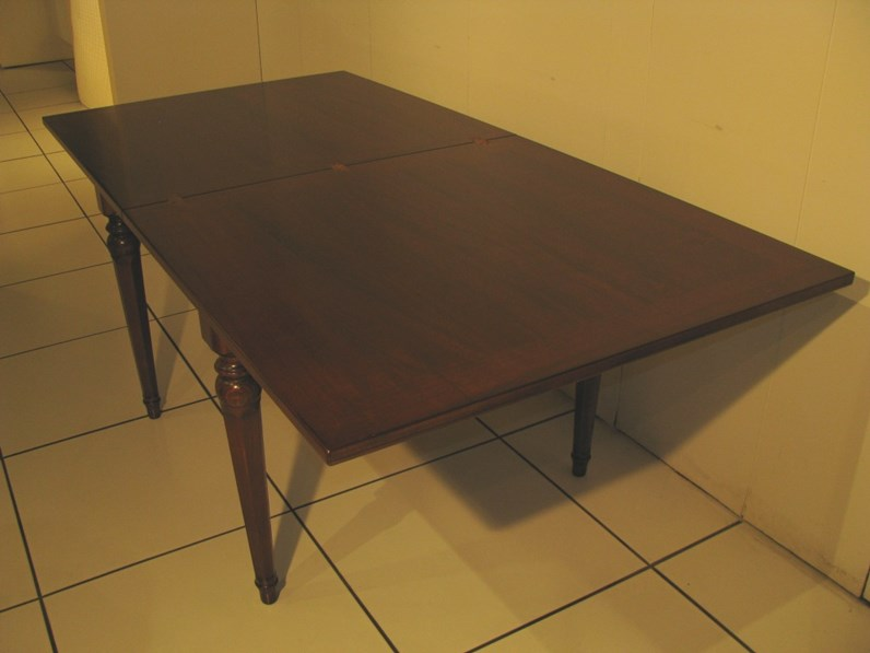 Tavolo quadrato allungabile piombini alfieri legno for Vergani arredamenti
