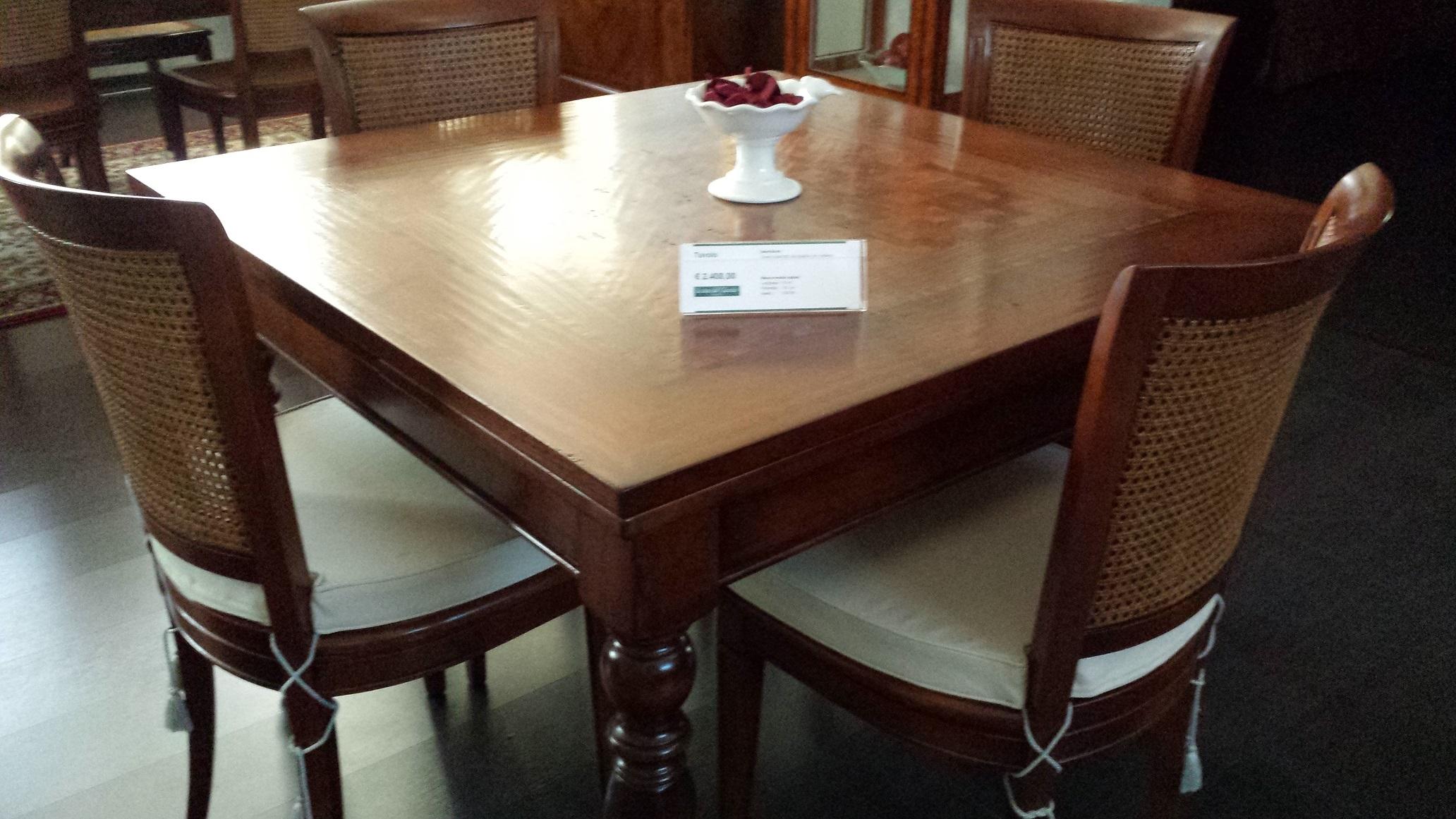 Tavolo quadrato allungabile sconto outlet tavoli a for Tavoli in legno allungabili