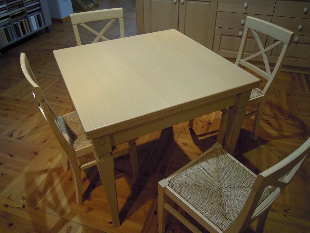 Tavoli quadrati allungabili a libro design casa creativa for Tavoli allungabili con sedie